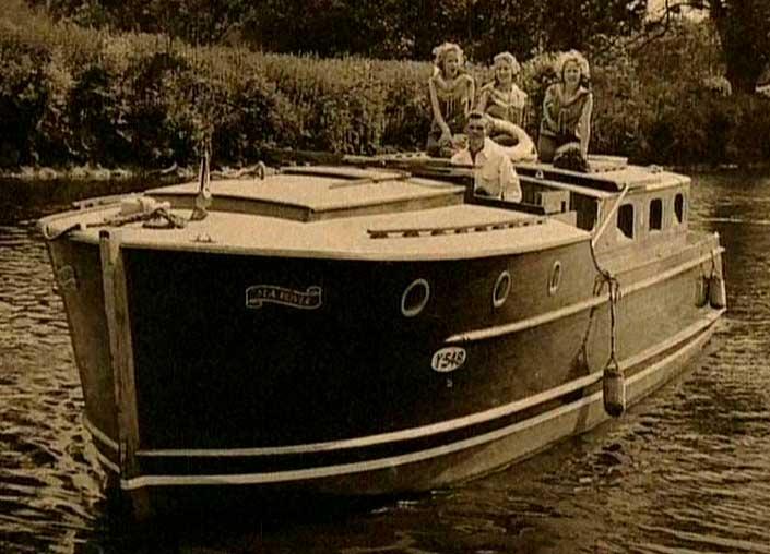 sea-rover-beverley-sisters.jpg